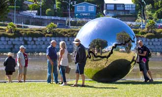 Bearing Sculpture Whanganui River Boardwalk